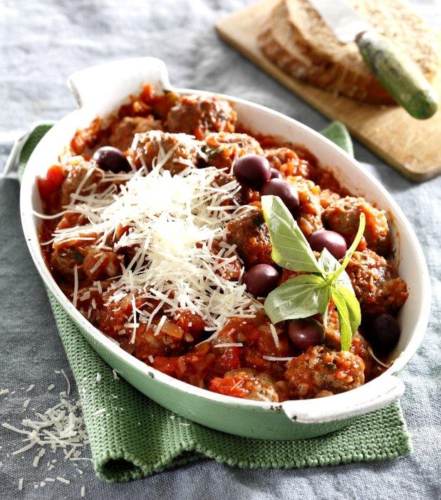 Pečené masové kuličky s rajčatovo-olivovou omáčkou Foto: