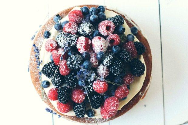 Naked cake s vanilkovým krémem Foto: