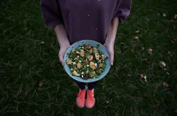 Čočkový salát s pečeným květákem  Foto: