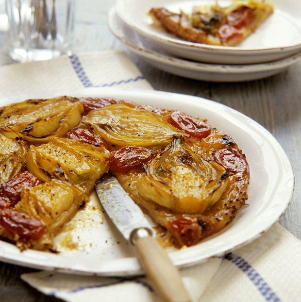 Fenyklový koláč s rajčaty  Foto: