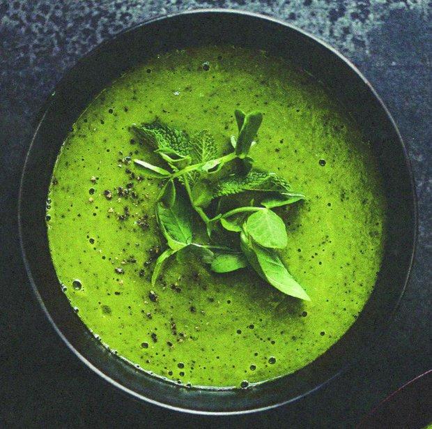Hrášková polévka s mátou a bazalkou  Foto: