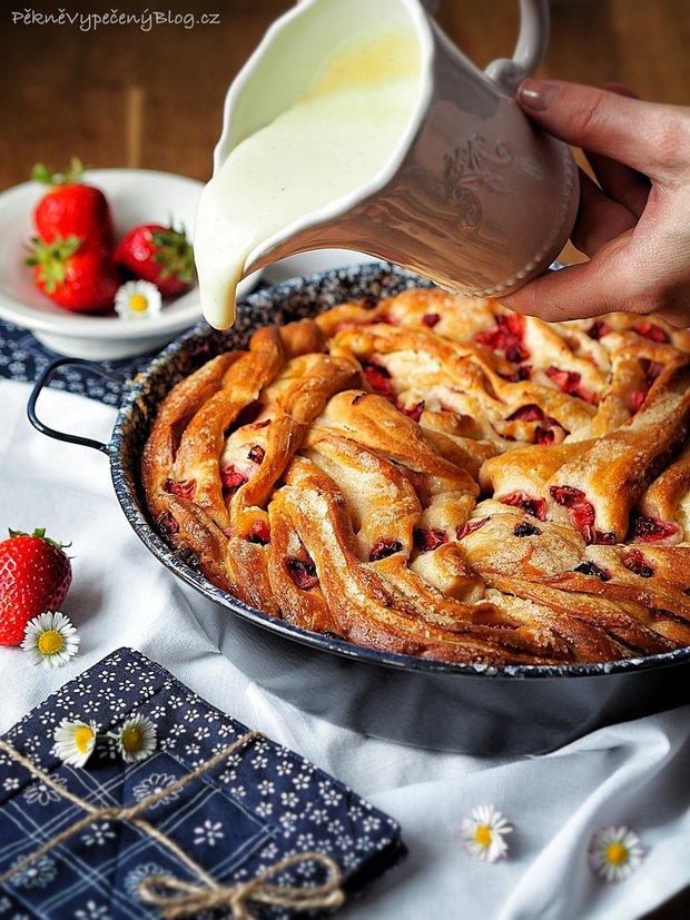 Točený jahodový koláč s pudinkem 2 Foto: