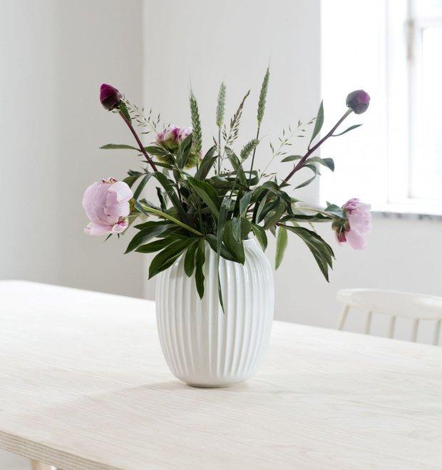 Váza Hammershøi White, Bella Rose, 2189 Kč Foto:
