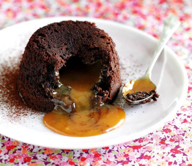 Čokoládový dortík s karamleovou náplní Foto: