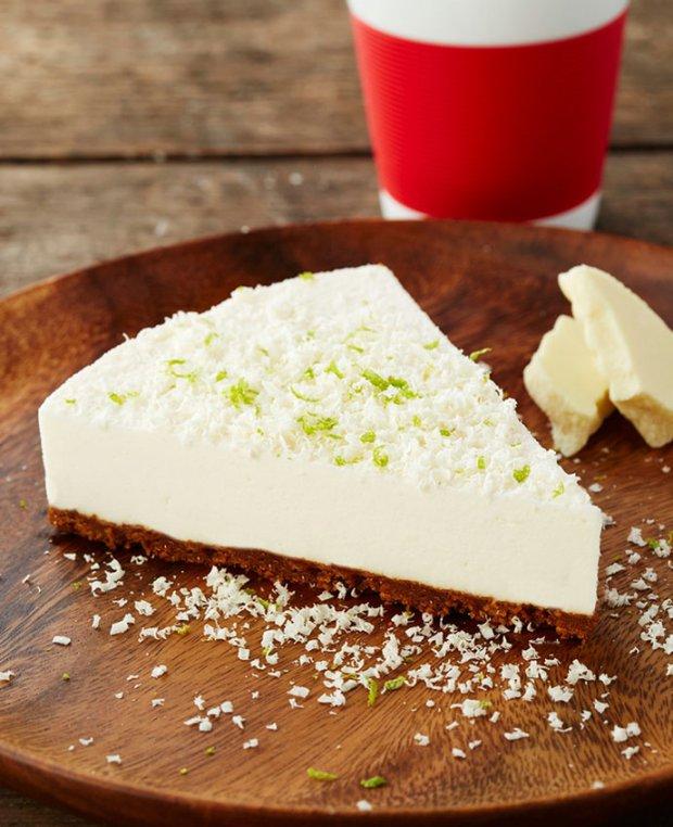 Limetkový cheesecake s bílou čokoládou a karamelovými sušenkami  Foto: