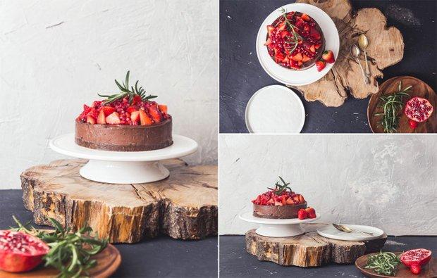 RAW dort čokoládový s banány a ovocem  Foto: