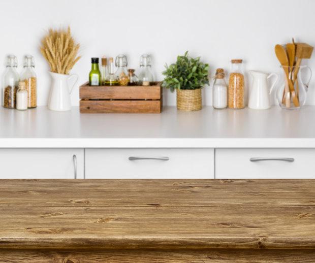 Kdy uklízet v kuchyni? Ideálně tehdy, když čekáte na pečínku. Foto: