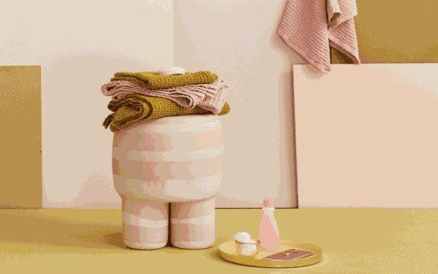Pohrajte si s barvami a oživte fádně vyhlížející koupelnu barevnými ručníky z přírodních materiálů.  Foto: