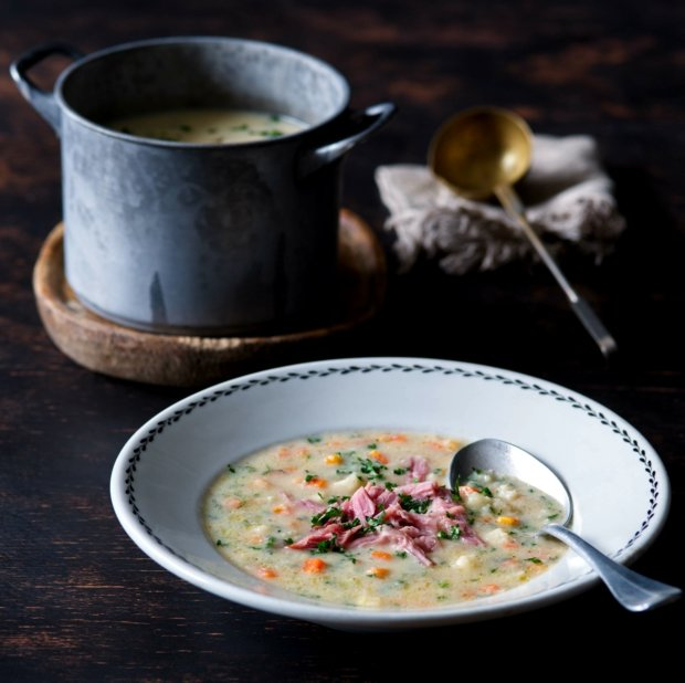 Uzená polévka s praženou krupicí  Foto:
