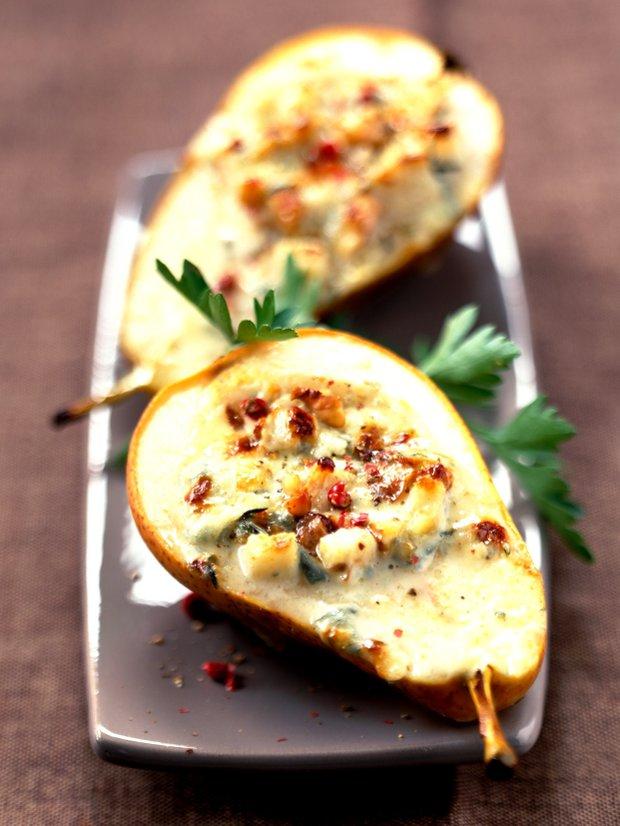 Plněné hrušky s pikantním sýrem a ořechy Foto: