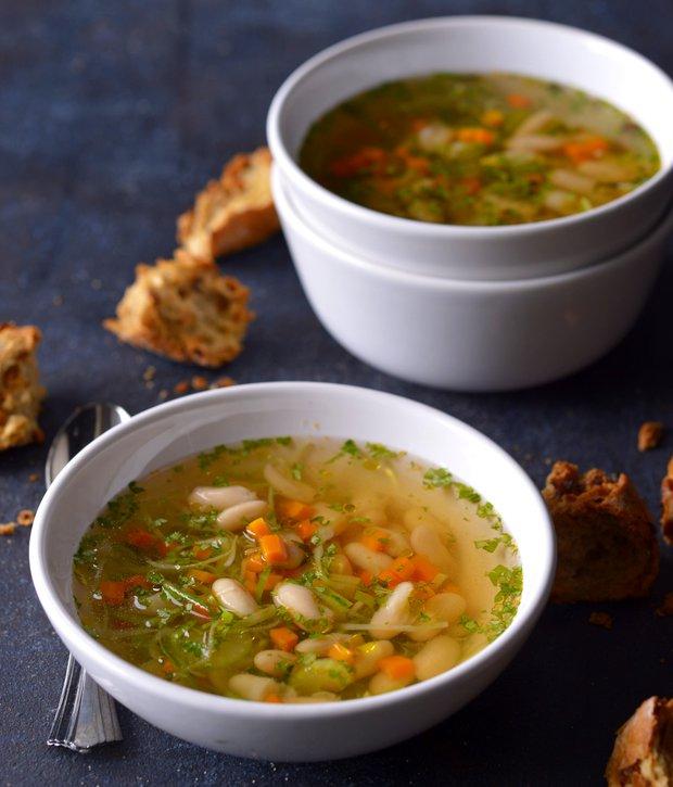 Svěží fazolová polévka s citronem  Foto: