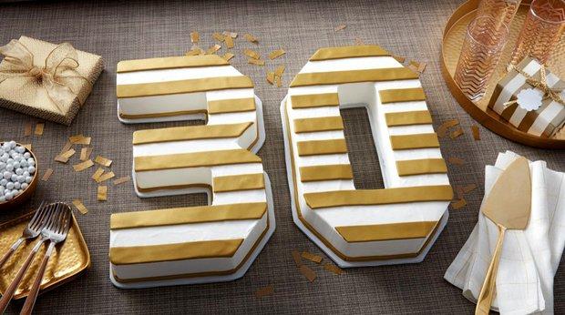 Dorty ve tvaru číslic nebo písmen jsou velký hit! Foto: