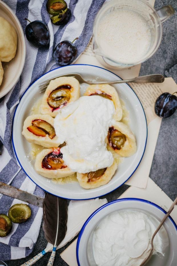 Švestkové knedlíky z bramborového těsta Foto: