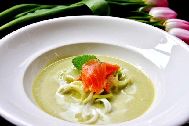Jarní pórková polévka s uzeným lososem Foto: