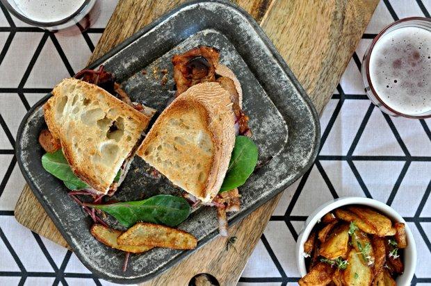BBQ sendvič s domácí omáčkou Foto: