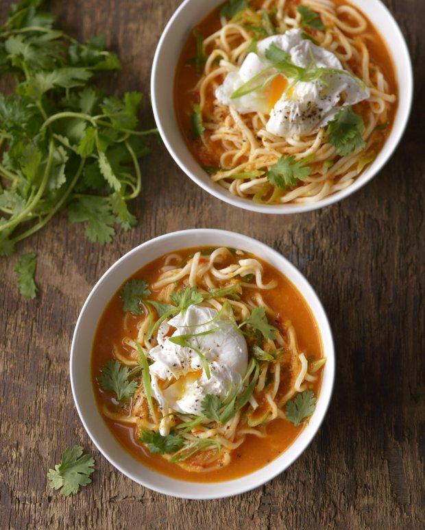 Ostrá polévka se zastřeným vejcem  Foto: