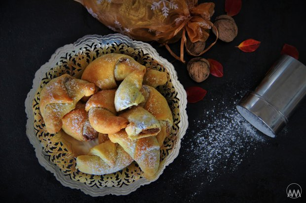 Martinské rohlíčky s ořechovou náplní 2 Foto: