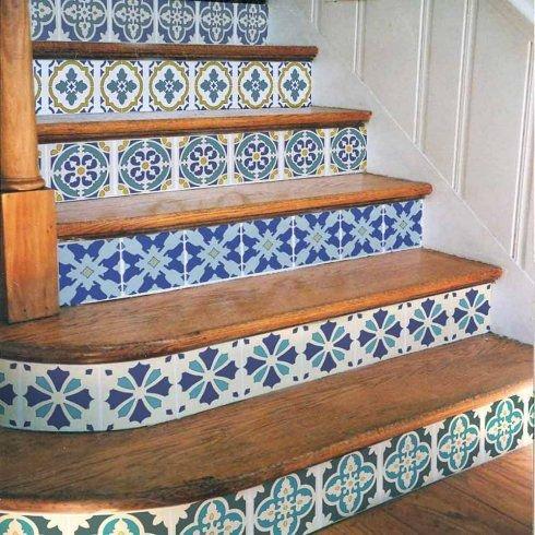 Oživte schodiště portugalskými vzory. Foto: