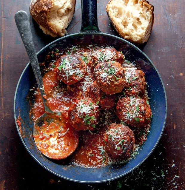 Klasické masové kuličky v rajčatové omáčce  Foto: