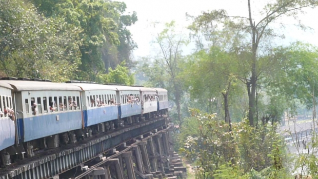 Vlaky: Burma