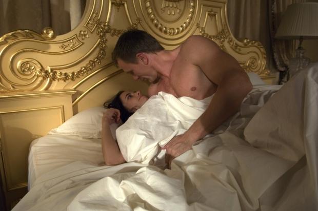 Co by to bylo za film o Bondovi bez bondgirl?