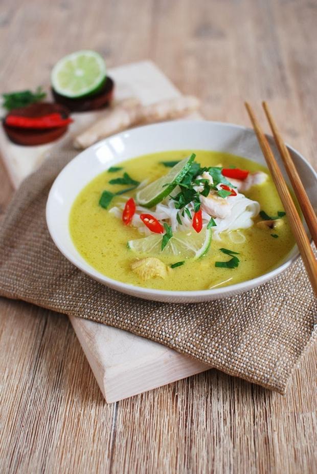 Kuřecí polévka v thajském stylu  Foto: FOODLOVER.CZ