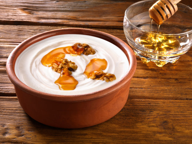 Ochutnejte řecký jogurt s medem a ořechy Foto: