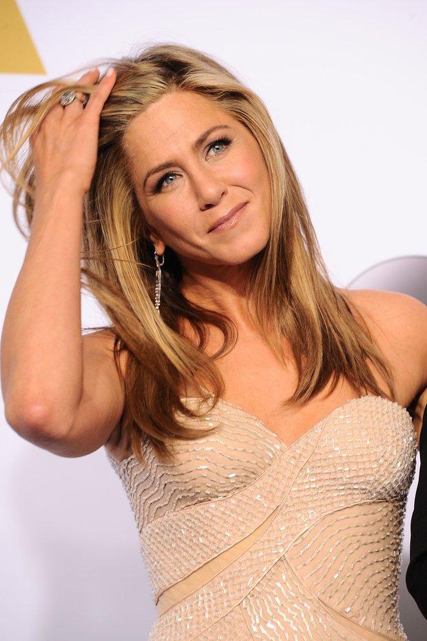 Rovné, dlouhé - Jeniffer Aniston Foto: