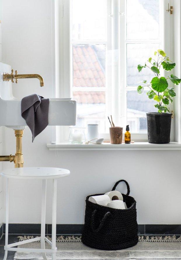 Hodil by se podobný jutový košík i do vaší koupelny? Foto: