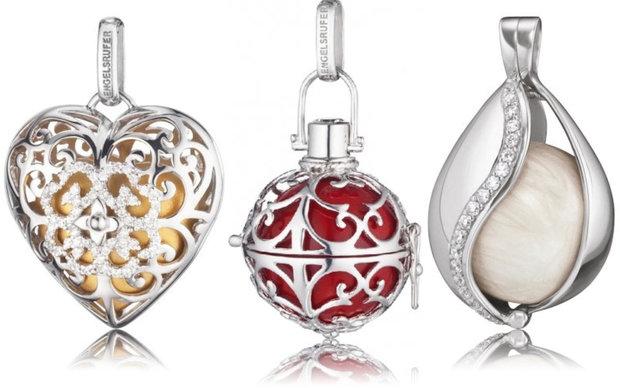 Zlaté srdce se zirkony, cena 3340 Kč, stříbrný andělský zvonek, cena od 2060 Kč, stříbrný přívěsek slza, cena 2780 Kč Foto: