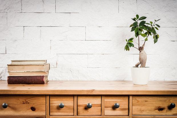 Dřevěný nábytek může časté čištění pškodit Foto: