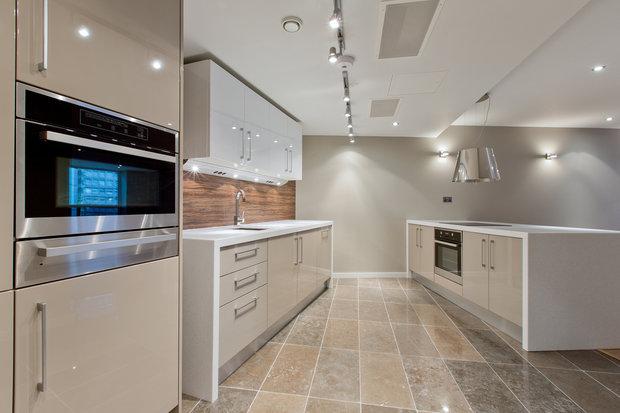 Světlá a prostorná kuchyň. Foto: