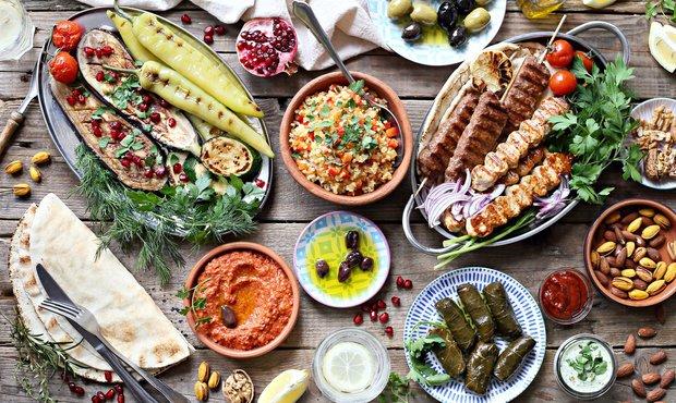 Řecká hostina překypuje barvami a chutěmi Foto: