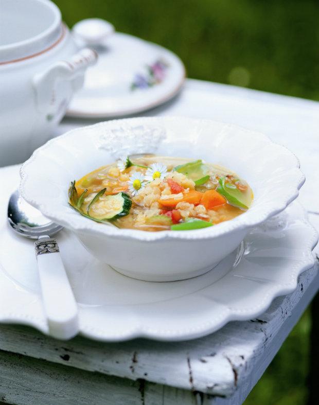 Zeleninová polévka s červenou čočkou Foto: BioAbecedář Hanky Zemanové