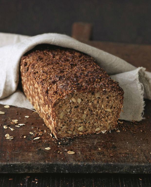 Jednoduchý celozrnný chléb Foto: kuchařka Chléb