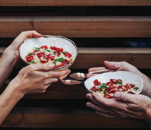 Ovesná kaše s pečenými rajčaty a parmazánem  Foto: