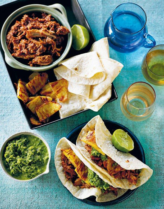 Tacos s vepřovým masem a ananasem  Foto:
