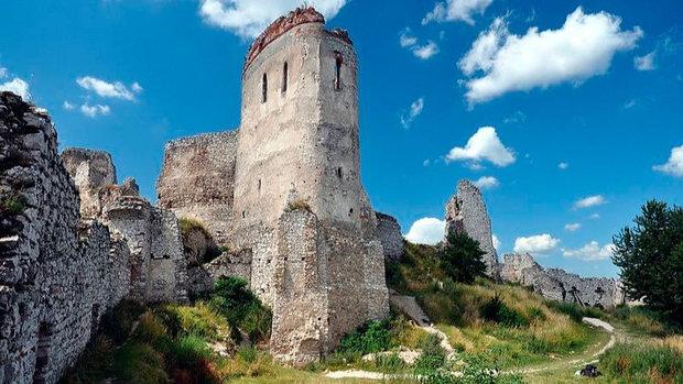 Zřícenina hradu Čachtice Foto: