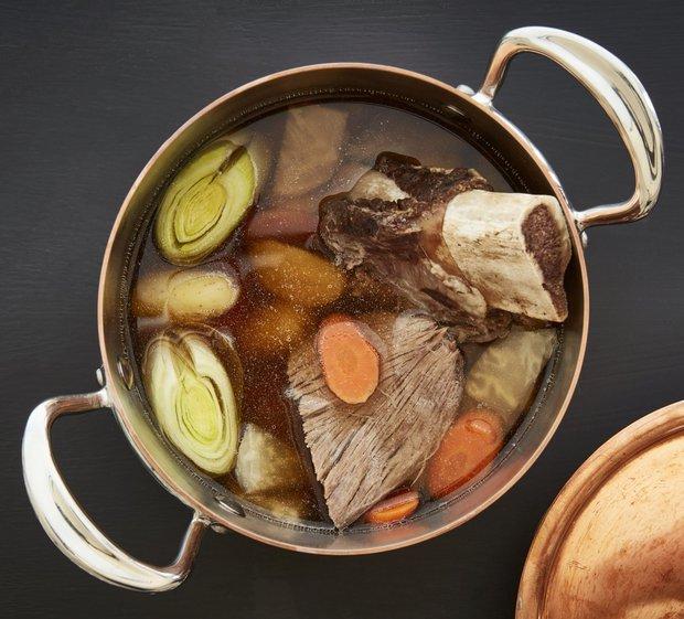 Vařené hovězí se zeleninou Pot au feu  Foto:
