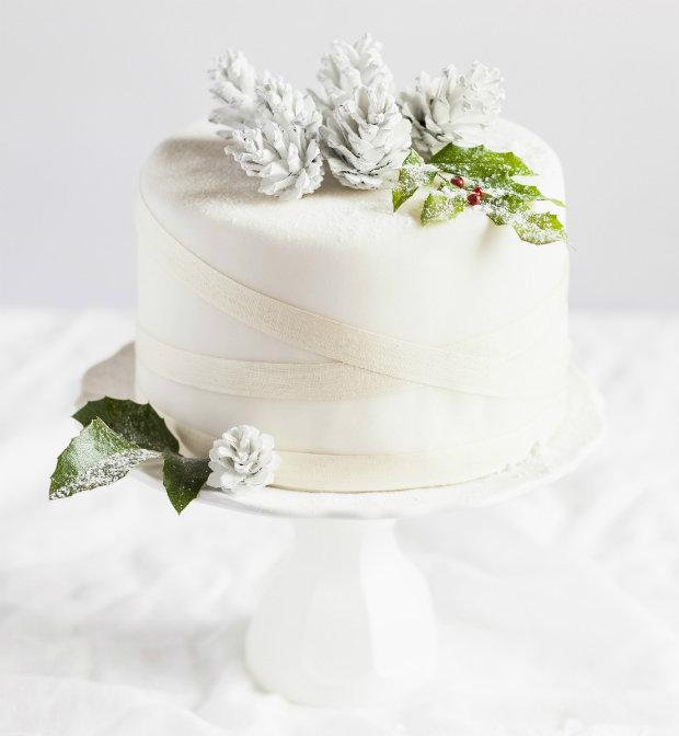 Ovocný chlebíček jako vánoční dort  Foto: