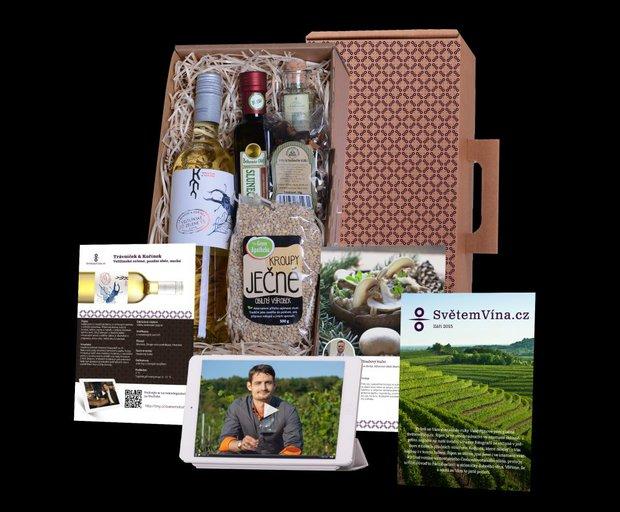 Balíček vín doplněný o recepty od vybraných šéfkuchařů a ingredience k nim, lze darovat jednorázově nebo jako předplatné, SvětemVína.cz, cena balíčku 649 Kč/měsíc Foto: