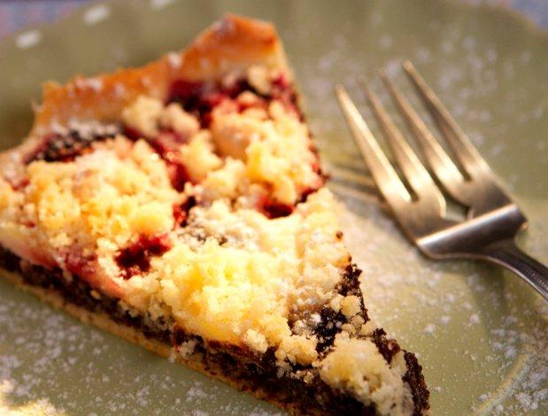 Makový koláč se švestkami a tvarohem Foto: