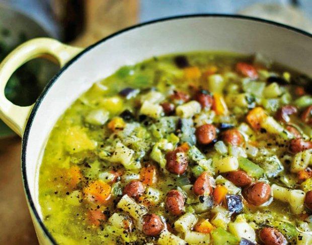 Zeleninová polévka s těstovinami  Foto: