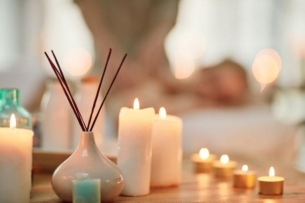 Svíčky a příjemná vůně navodí tu správnou atmosféru. Foto: