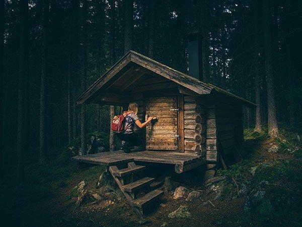 Test - chatka v lese Foto: