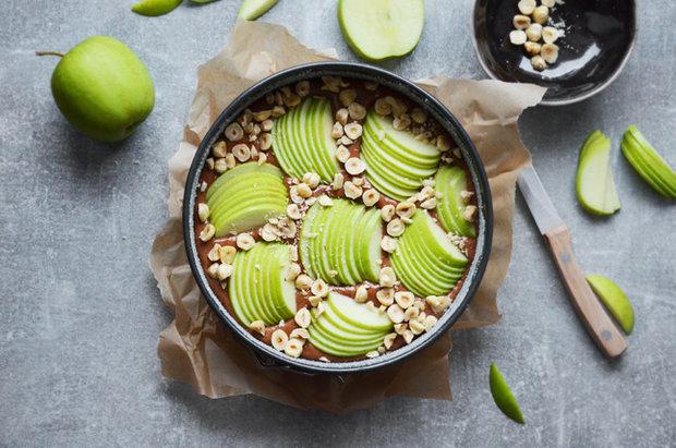 Jablečný koláč s ořechy a čokoládou 2 Foto: