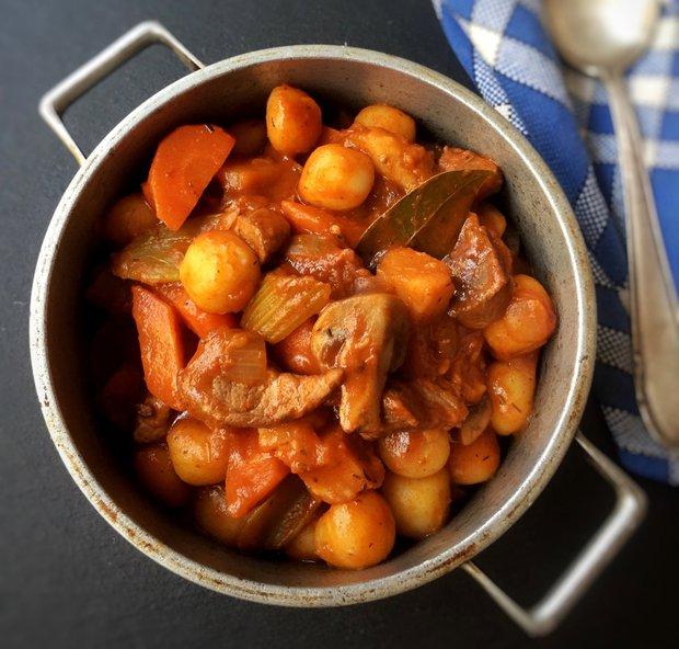 Vepřové stew se zeleninou a gnocchi  Foto: