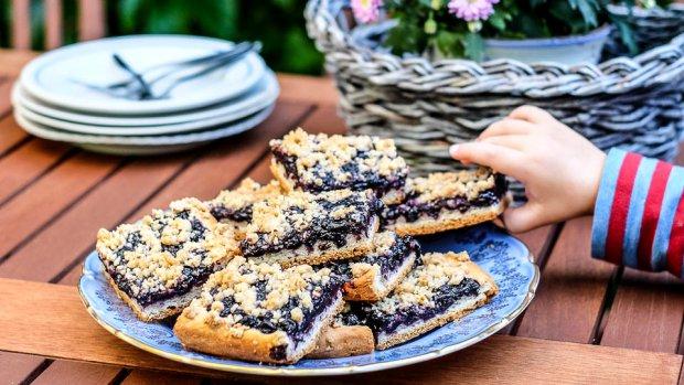 Křupavý nekynutý koláč s borůvkami  Foto: