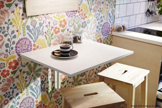 Sklápěcí stůl pro malá jídla v jednom nebo ve dvou Foto: