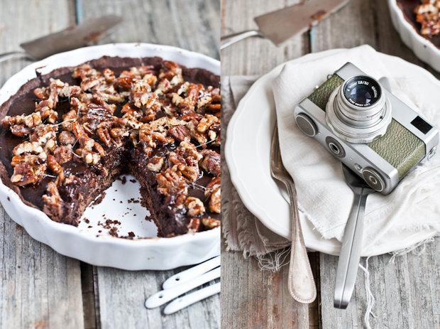 Koláč se slanou čokoládou a pekanovými ořechy  Foto: Sweet pixel blog